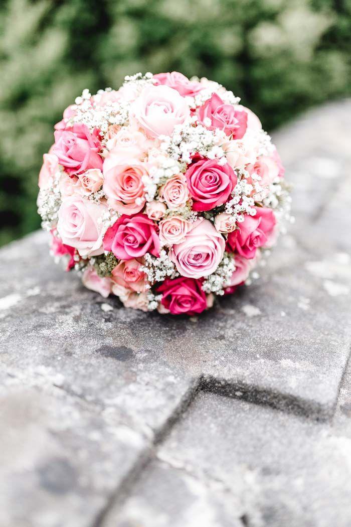 Brautstrauß mit Rosen in rosa | Ganz viele Beispiele in der großen Bildergalerie #bridalflowerbouquets