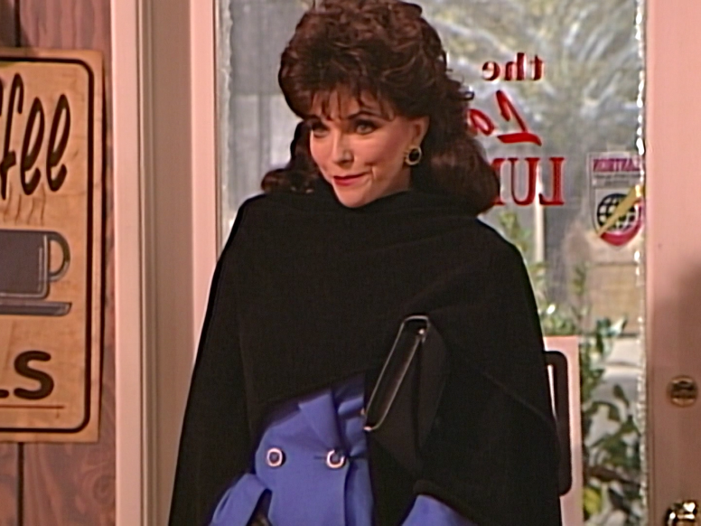 31 Celebrities You Probably Forgot Guest Starred On Roseanne Joan Collins Played Roseanne S Cousin Ronnie On One Episode Ro Celebrities Joan Collins Stars
