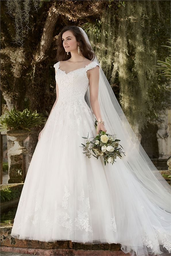 D1919 2 Wedding Dress from Essense of Australia | hitched.co.uk