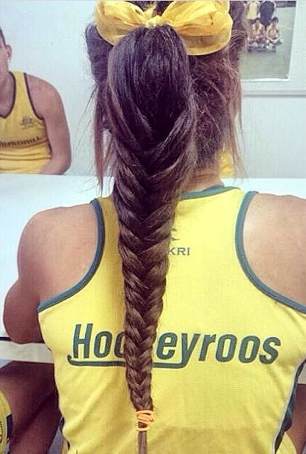 Anna Flanagan Hockey Hair Style Hockey Player Style This Would Be So Cool For Each Person On Our Te Sports Hairstyles Volleyball Hairstyles Hockey Hair