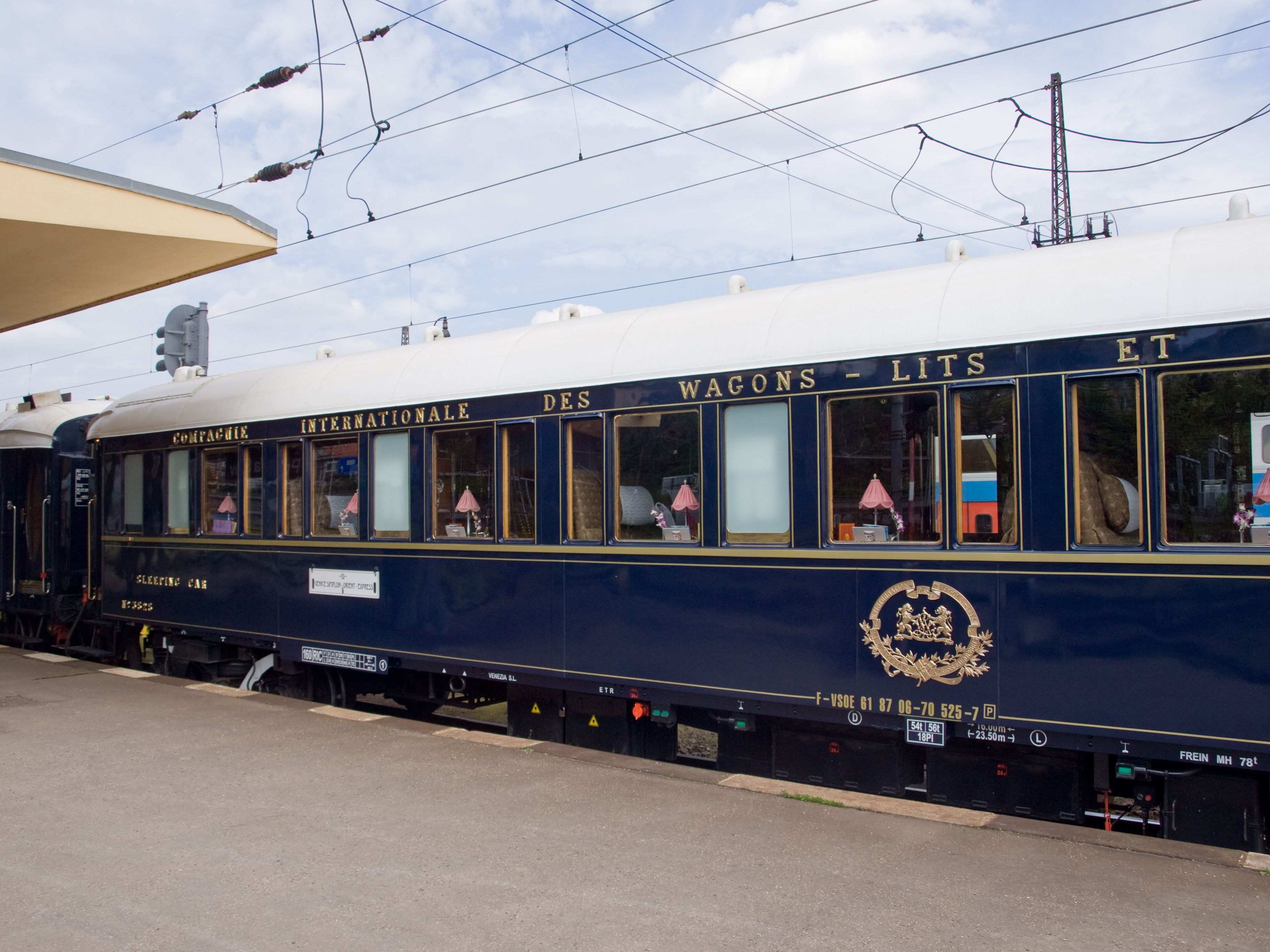 Praha-Smíchov,_Orient_Express,_vůz.jpg (Imagen JPEG, 3648 × 2736 píxeles)