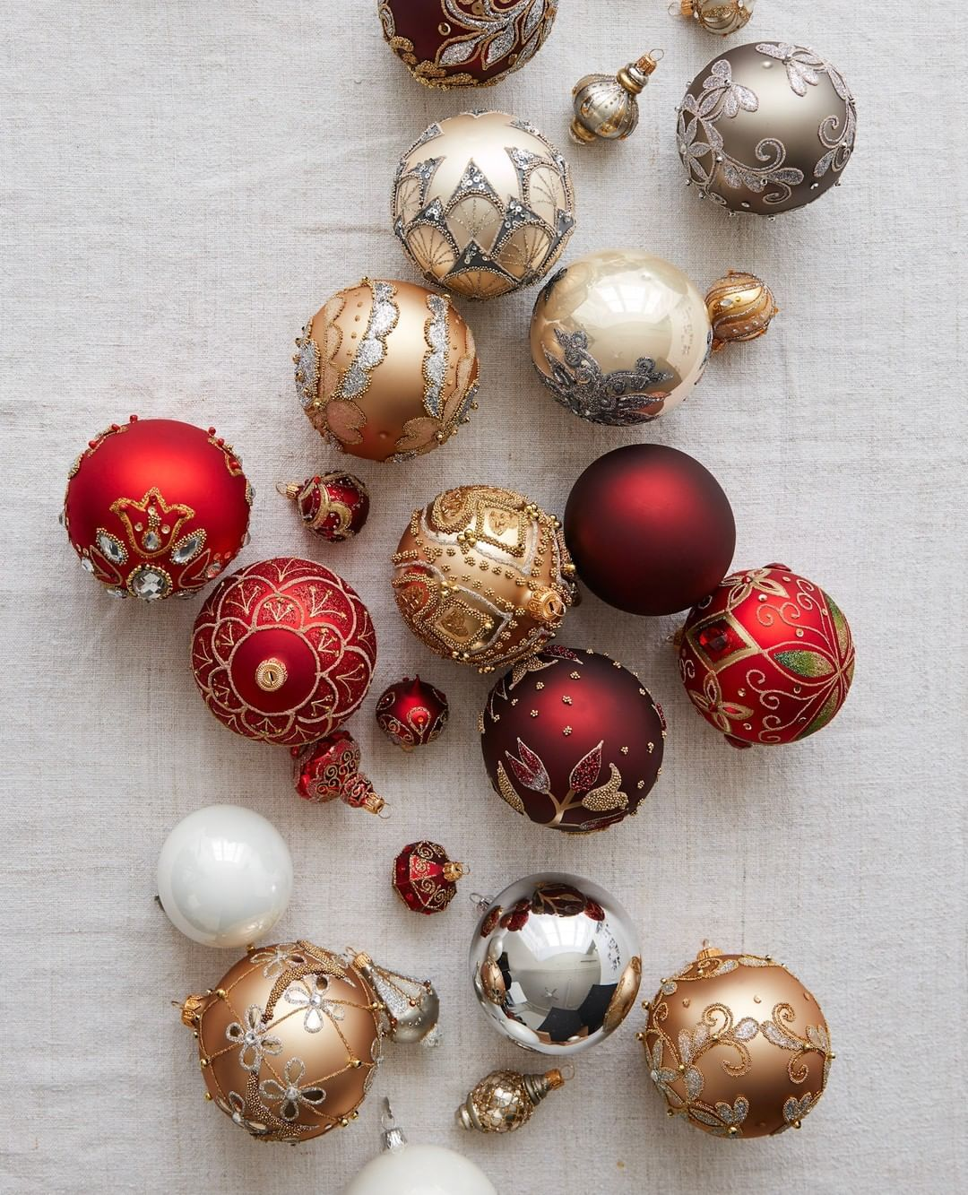 Balsam Hill On Instagram Take Advantage Of Big Savings On Premium Christmas Decorations Shop Link Glass Ball Ornaments Christmas Ornament Sets Ornament Set
