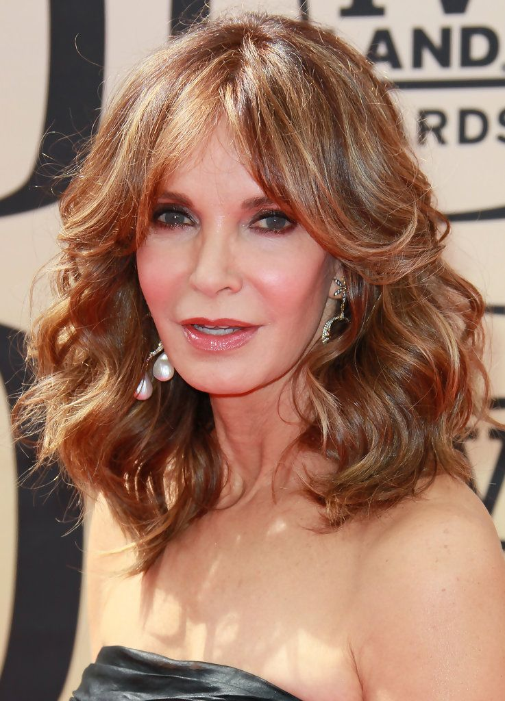 Jaclyn Smith S Feathered Hairstyle Medium Length Hair Styles Medium Hair Styles Thick Hair Styles