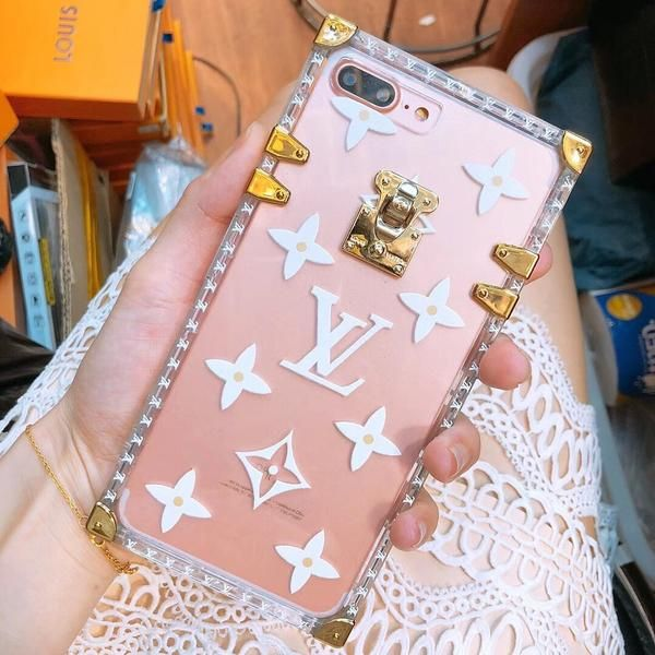 Transparent Lv Trunk Case In 2020 Luxury Iphone Cases Gold Iphone Case Phone Case Design