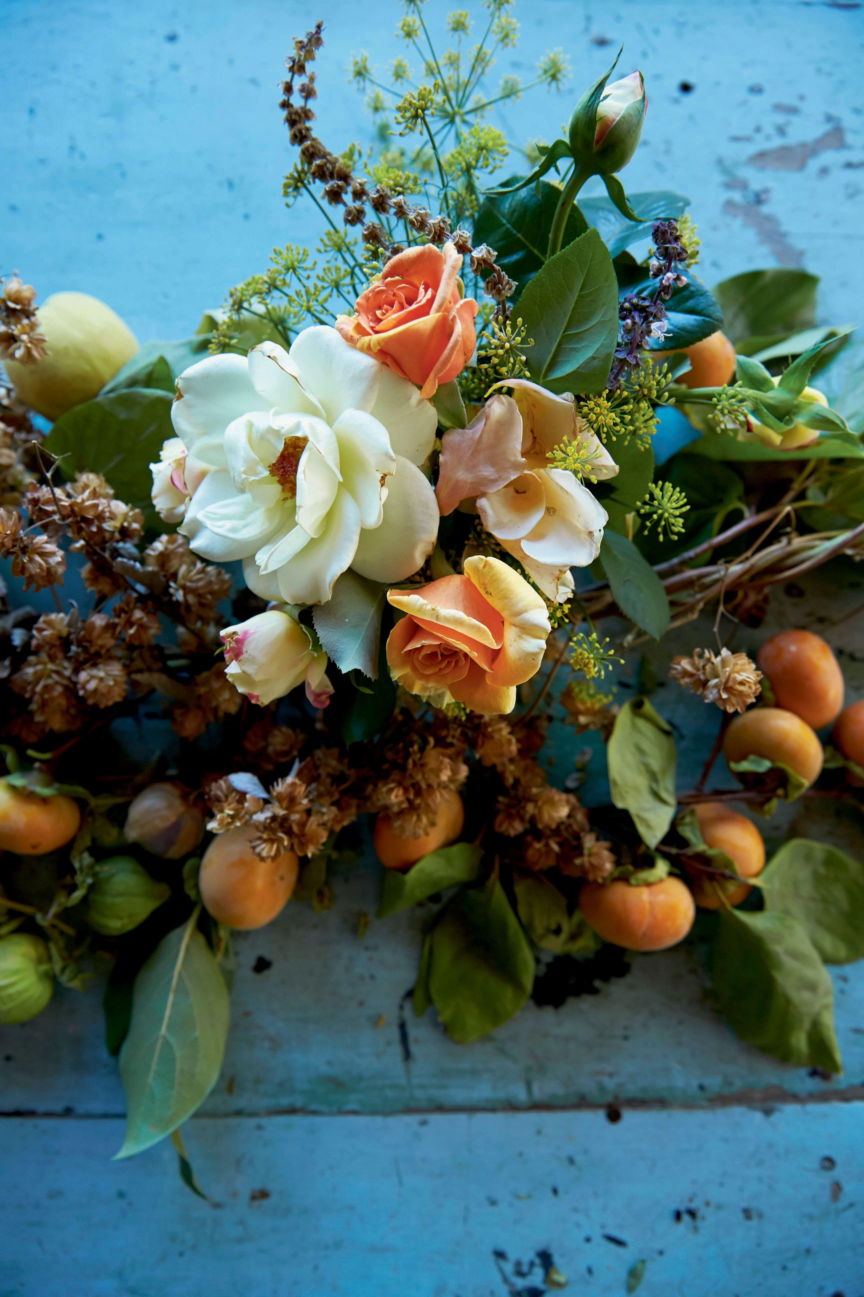 Gorgeous Indoor Autumn Decorations | Autumn garden, Fall ...