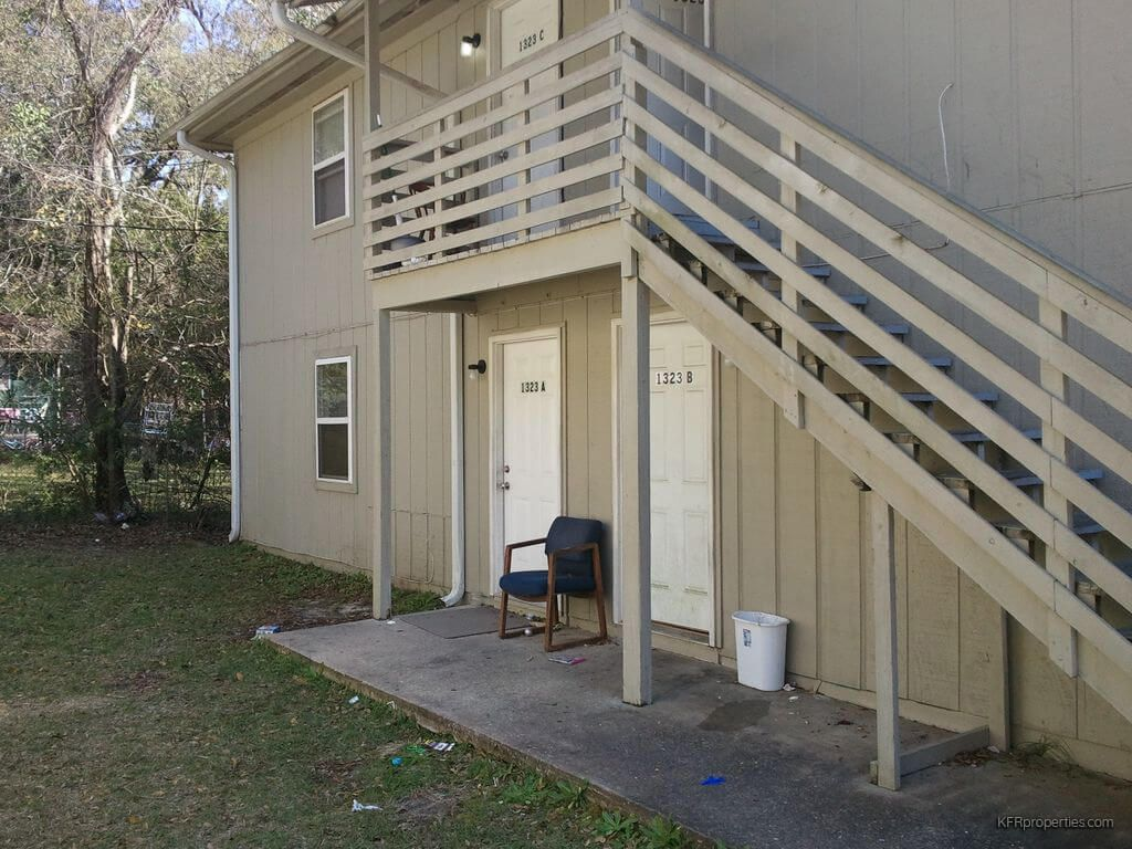 1323 Volusia St APT D Tallahassee FL 32304 This is a