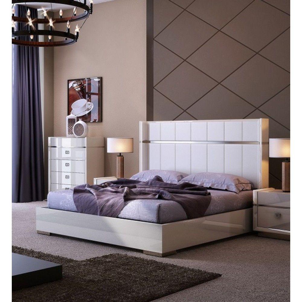 Paris Platform Bed in White by J&M Yatak odası, Yatak