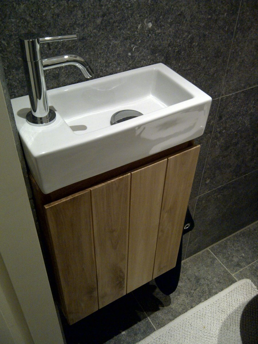 Toiletmeubel teakhout toilet pinterest teakhout malta en badkamer - Wc met wastafel ...