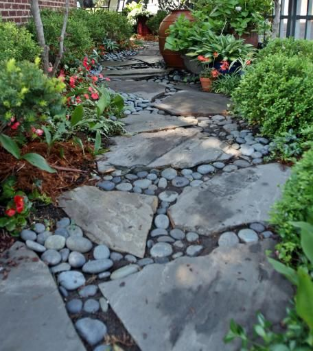 Enchanting Small Garden Landscape Ideas With Stepping Walk: Garden Tour — Small Space Doesn't Limit Ideas