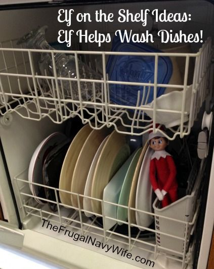 Elf on the Shelf Ideas: Elf Helps Wash Dishes! #elfontheshelf #elfshelf #christmas
