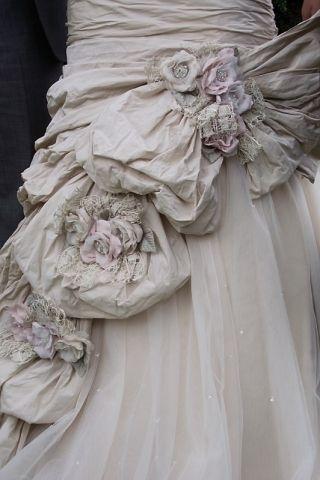 Amazing Detailing On This Ian Stuart Dress Second Hand Wedding Dresses Wedding Dresses Fantasy Wedding