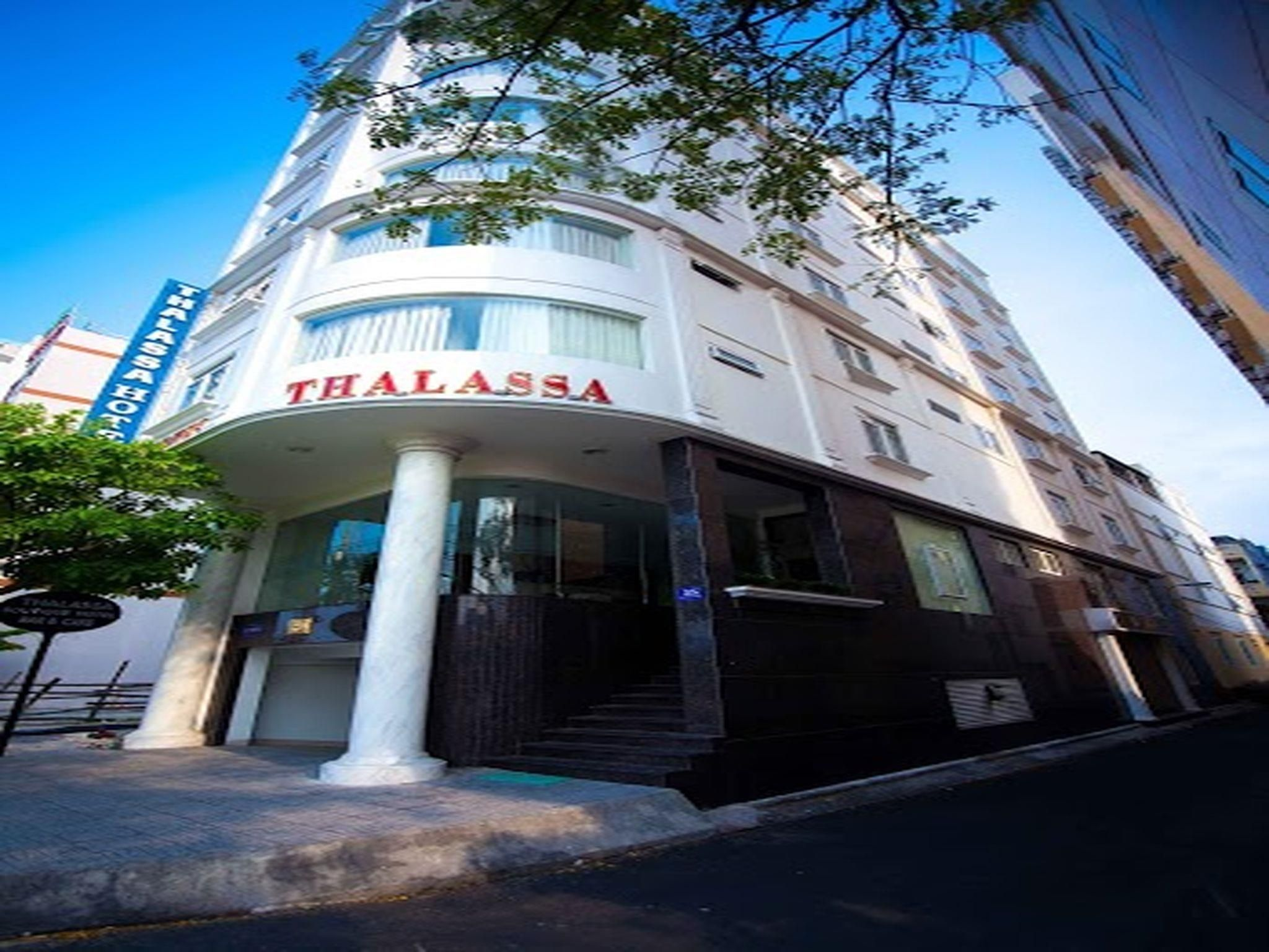 Da Nang Thalassa Boutique Hotel Vietnam, Asia Thalassa Boutique Hotel is perfectly located for both business and leisure guests in Da Nang. The hotel offers a wide range of amenities and perks to ensure you have a great time. Free Wi-Fi in all rooms, daily housekeeping, fax machine, gift/souvenir shop, photocopying are on the list of things guests can enjoy. Some of the well-appointed guestrooms feature towels, television LCD/plasma screen, mirror, internet access – wireless, ...