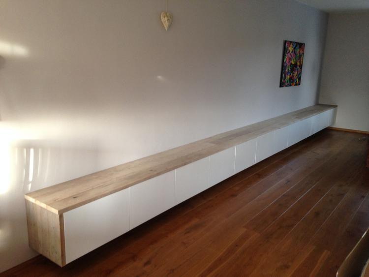 Ikea besta hangkast van 7,2 meter lang. Afgewerkt met steigerhout ...