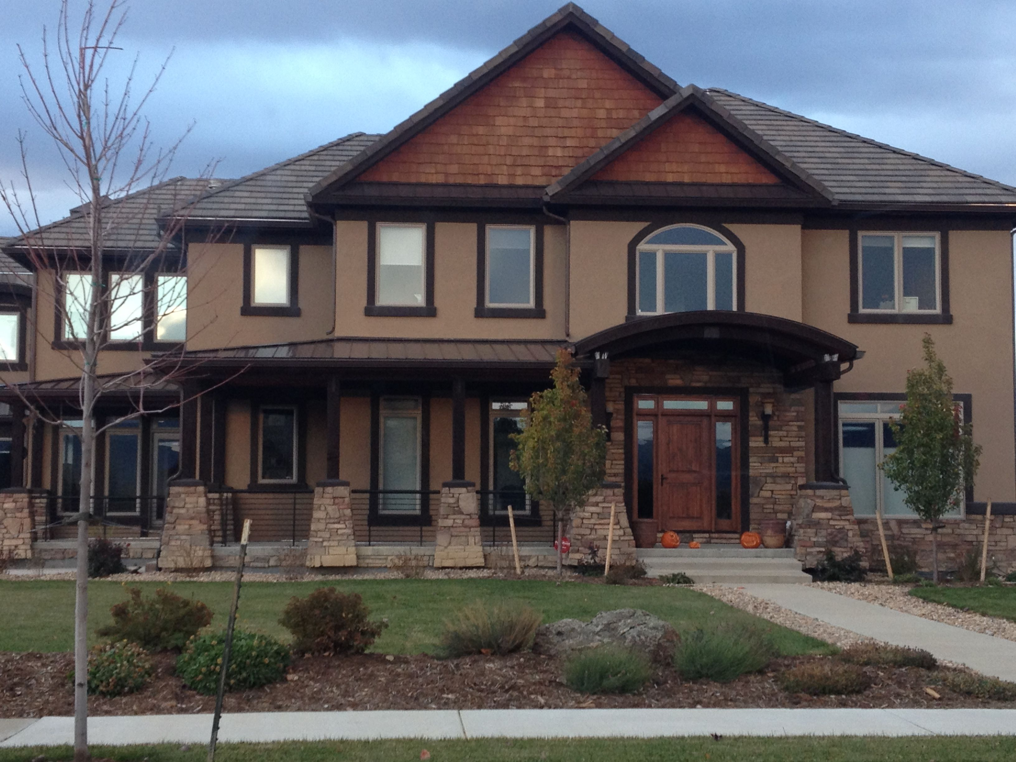 Best Craftsman House With Stone Shingles And Stucco Stucco 400 x 300