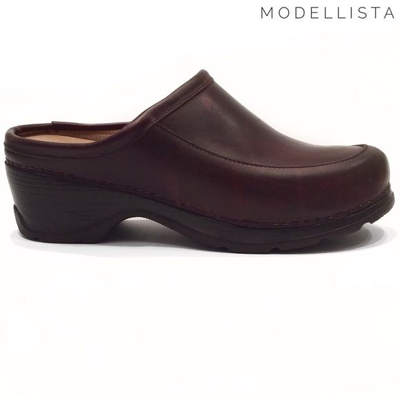 c184da5e5dc3 Modellista Italy brown leather clogs shoes Modellista Italy Dansko-style  brown leather clogs shoes. In very good condition