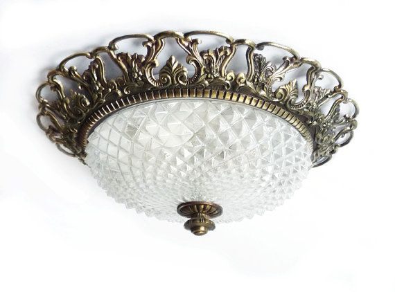 All too often I feel that people neglect their ceilings when decorating. Yet not many people would deny that this vintage ceiling light is luxurious & fabulous!