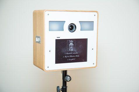 Design unsere fotobox ideal fur party hochzeit messe firmenevent geburtstag polterabend also selfie kiste selfiekiste on pinterest rh