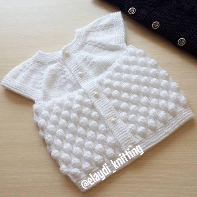 Aufbau der Schätzchenweste mit Himbeerstrickmuster   – Bebek Örgüleri / Baby Crochet