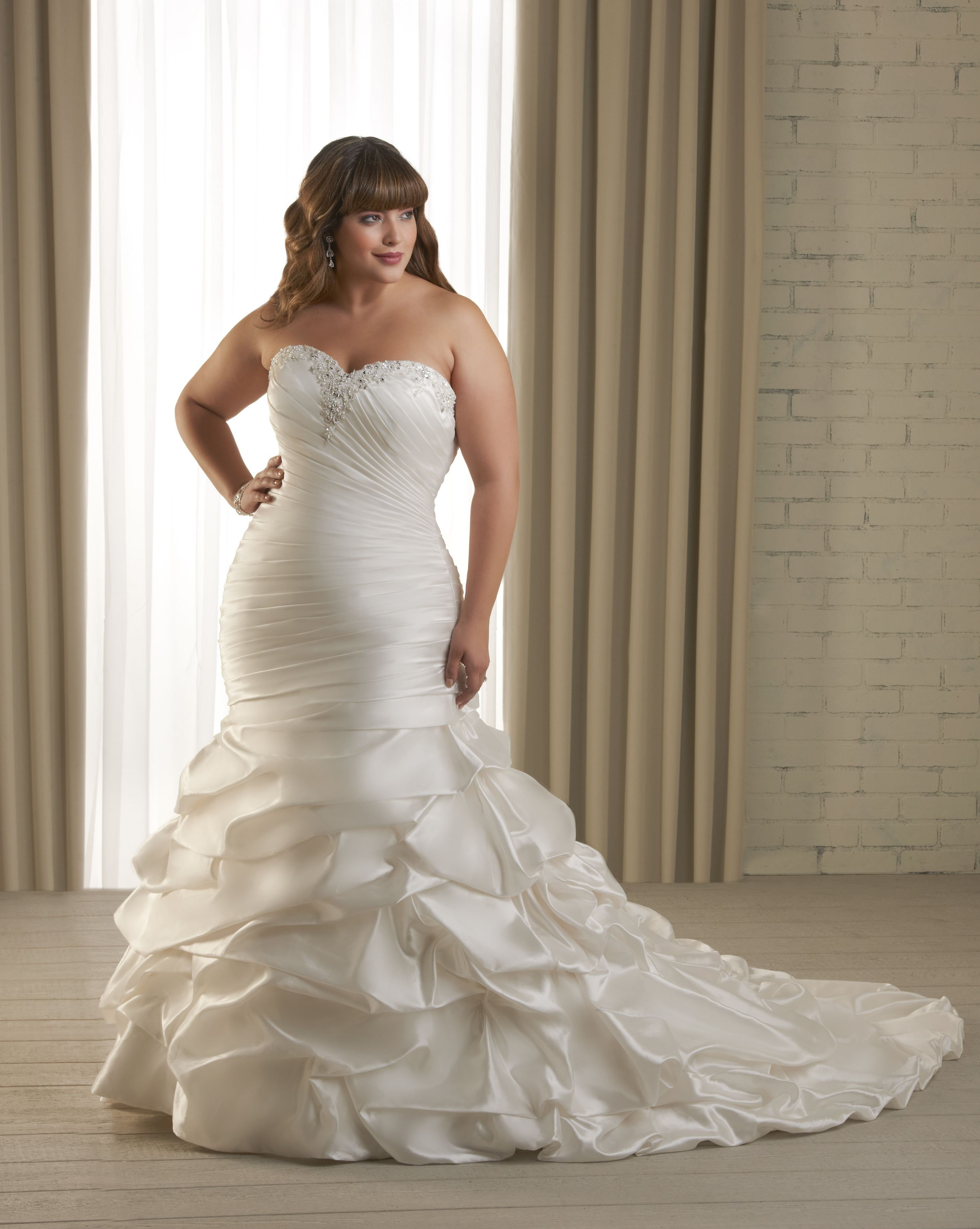 Wedding dresses for curvy brides  Dress for the Curvy Bride  Christian wed  Pinterest  Curvy