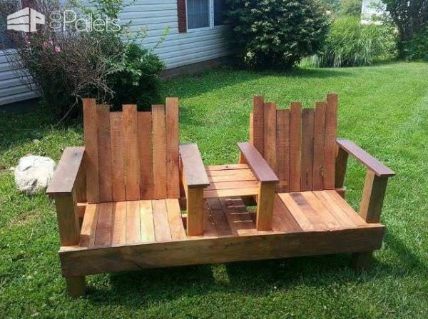 Awe Inspiring A Two Seater With Integrated Table Out Of Repurposed Pallets Frankydiablos Diy Chair Ideas Frankydiabloscom
