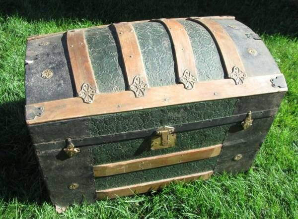 Hump Back Steamer Trunk (good price!) Steamer trunk