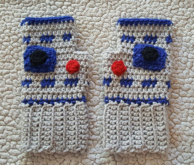 Ravelry: R2D2 Fingerless Gloves pattern by Brooke Rabideau   Off The ...