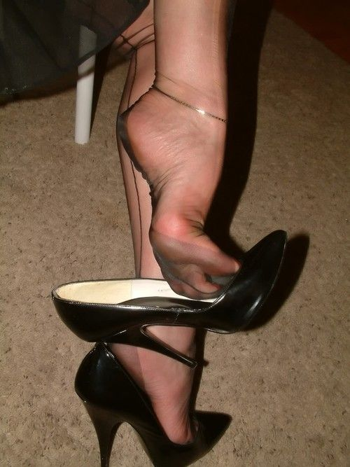 Shoe dangle fetish