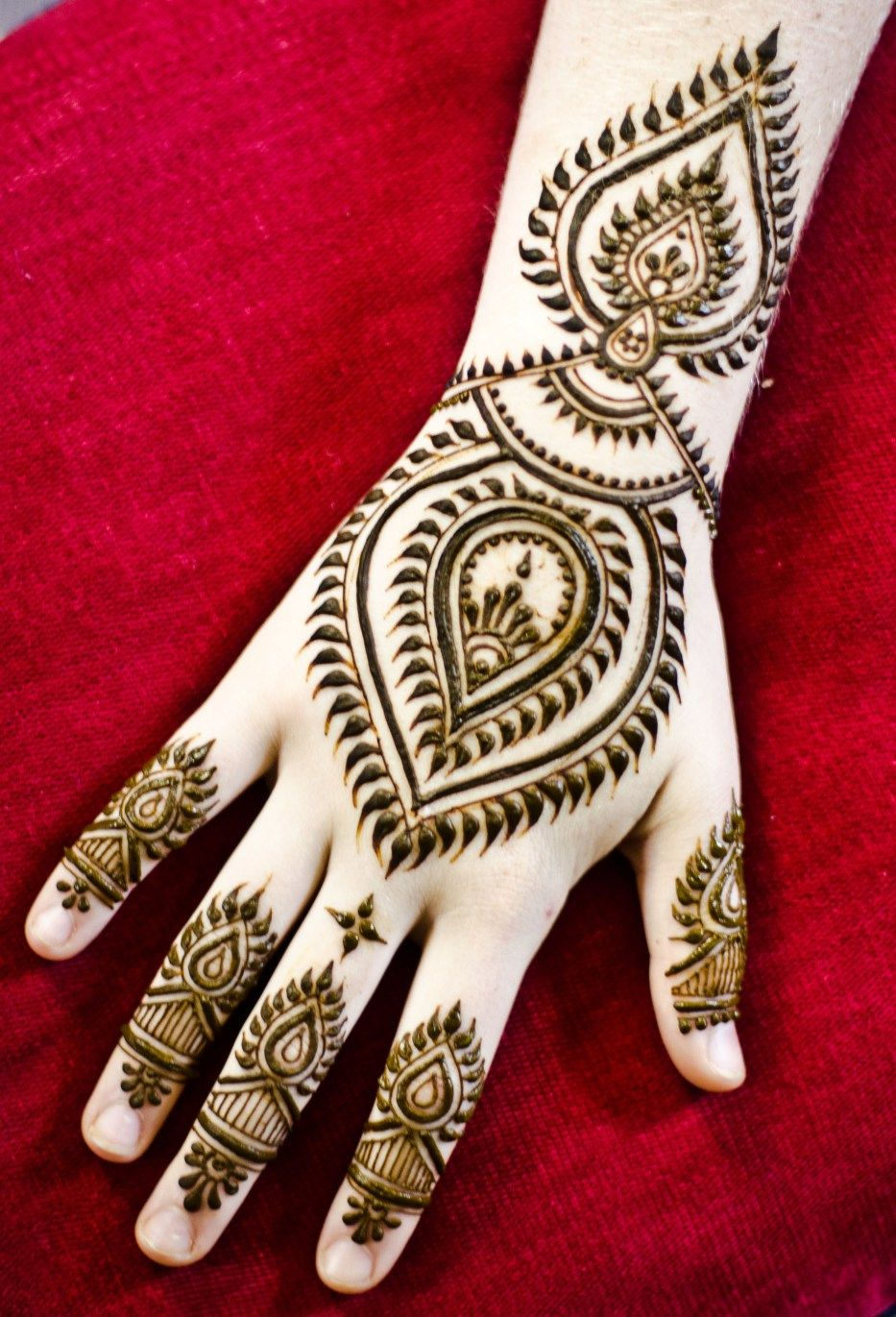 Mehndi Tattoo Artists : Casual henna maple mehndi pinterest hennas