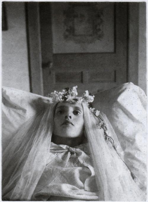 Post-mortem photo, circa 1910.