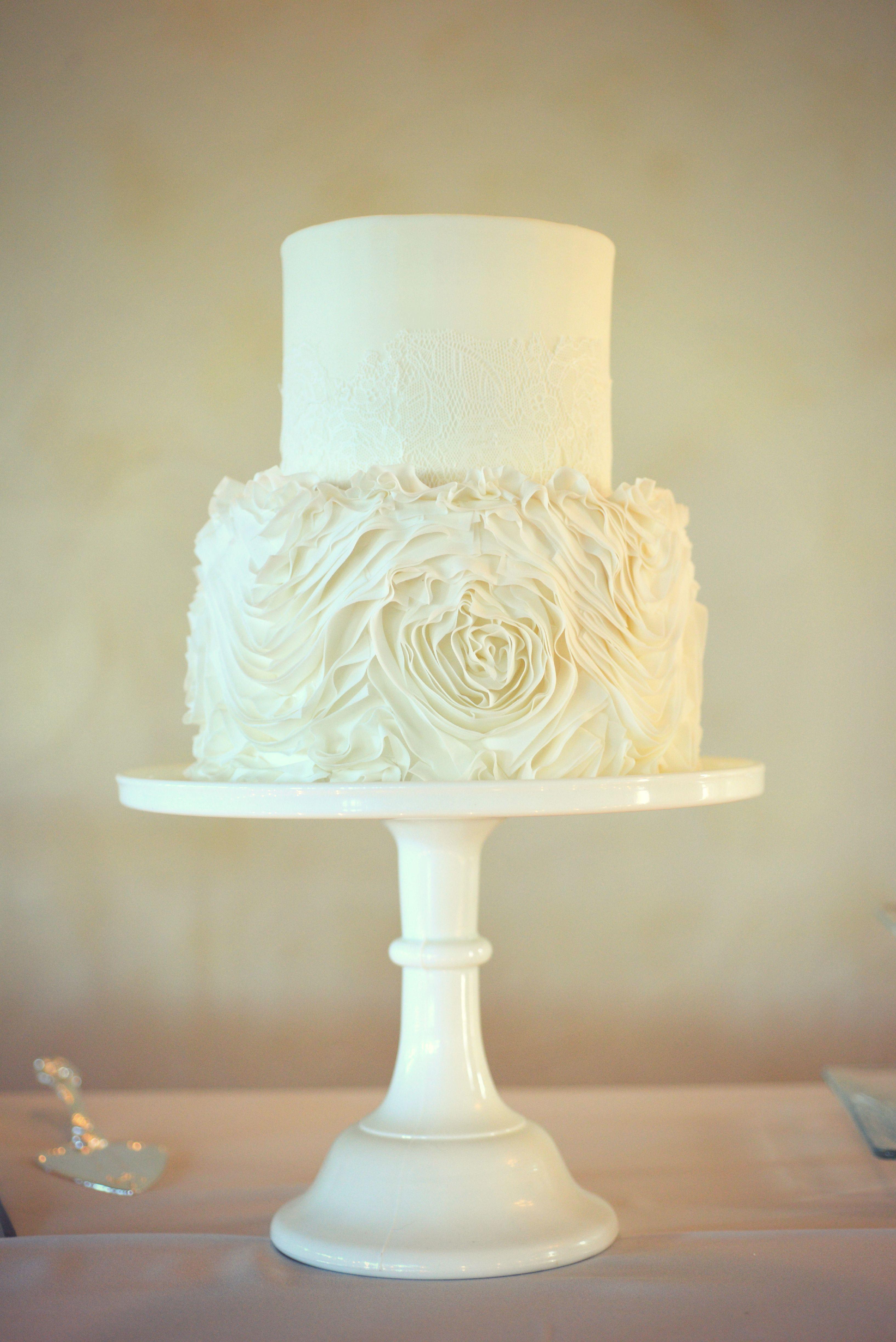 fresh pics of two tier wedding cakes wedding cakes