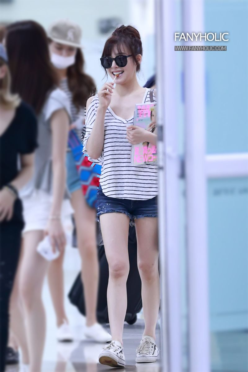 http://okpopgirls.rebzombie.com/wp-content/uploads/2013/08/SNSD-Tiffany-airport-fashion-August-7-2-8.jpg