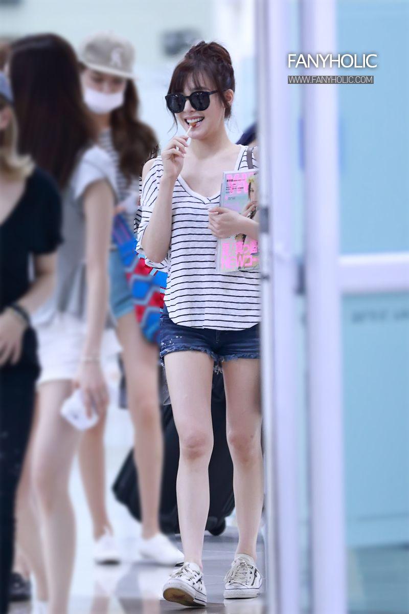 http://okpopgirls.rebzombie.com/wp-content/uploads/2013/08/SNSD-Tiffany-airport-fashion-August-7-2-8.jpg