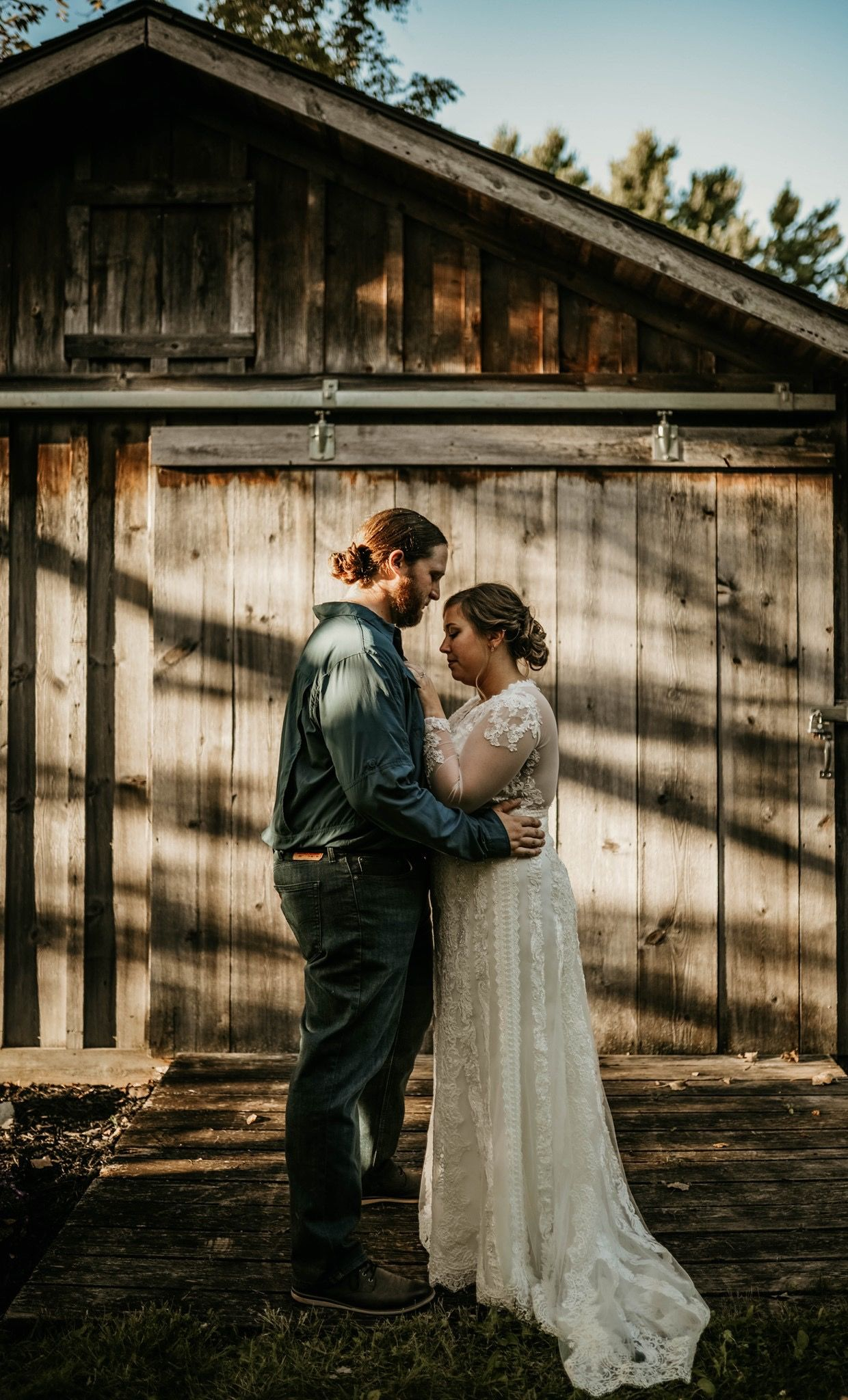 These two got married in their backyard at an intimate ...