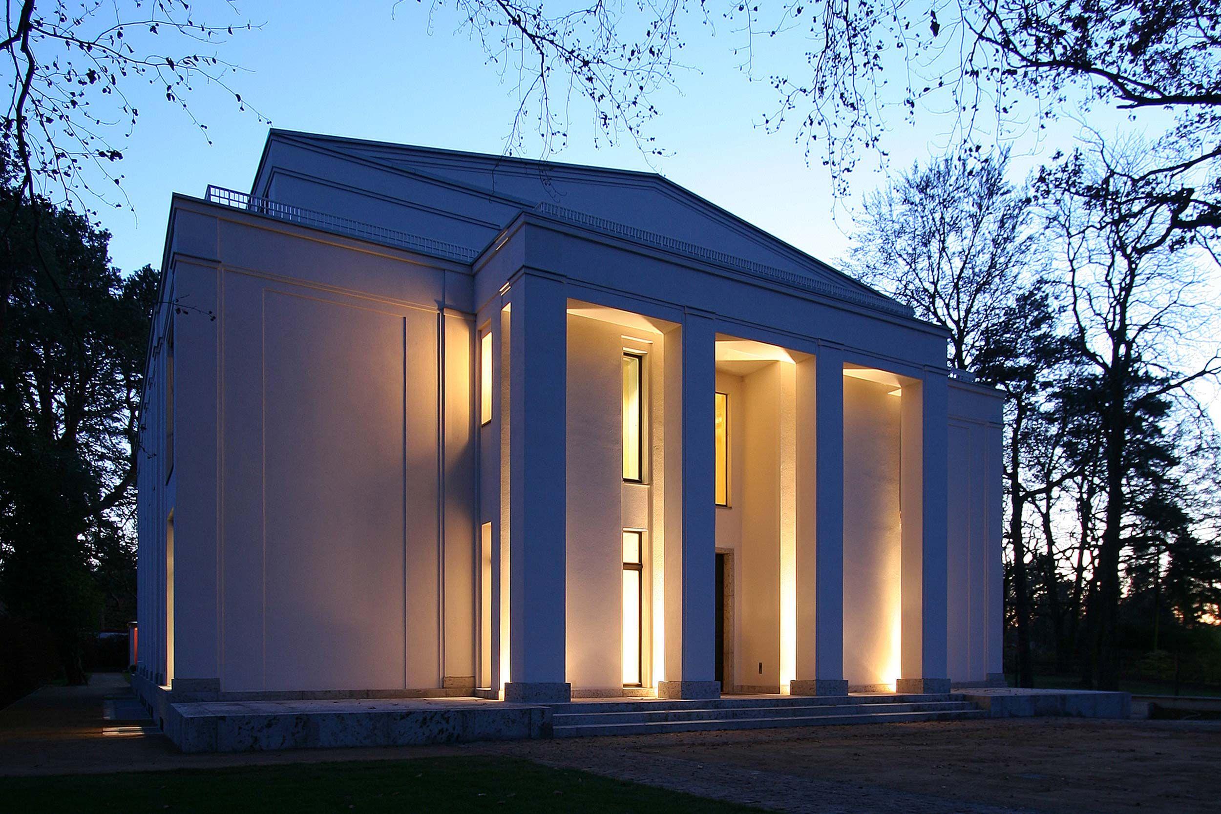Neubau einer Villa im neoklassizistischen Stil - Antike Patio-Häuser ...