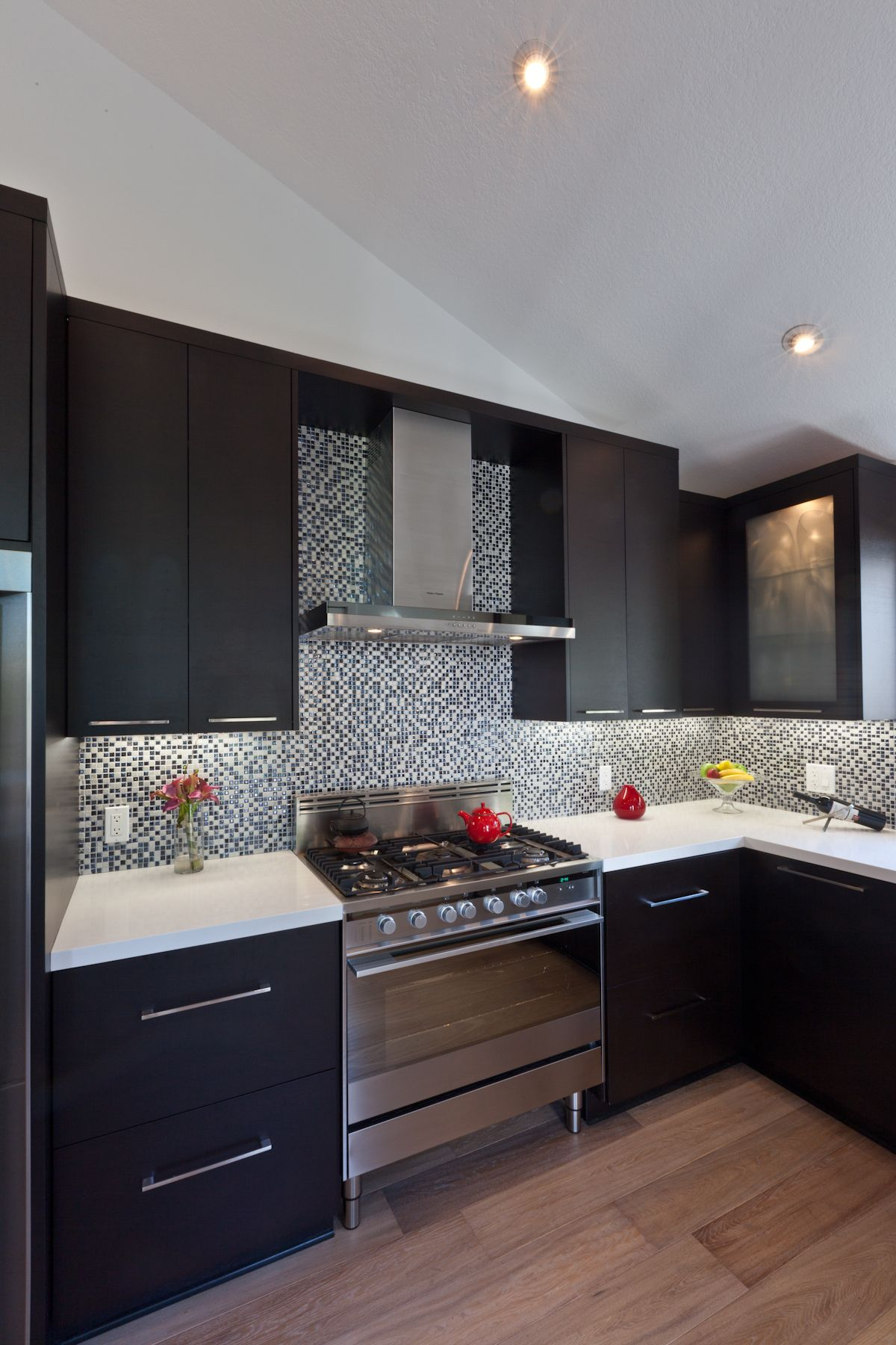Modern & Contemporary Kitchen | Gabinetes de cocinas negros ...