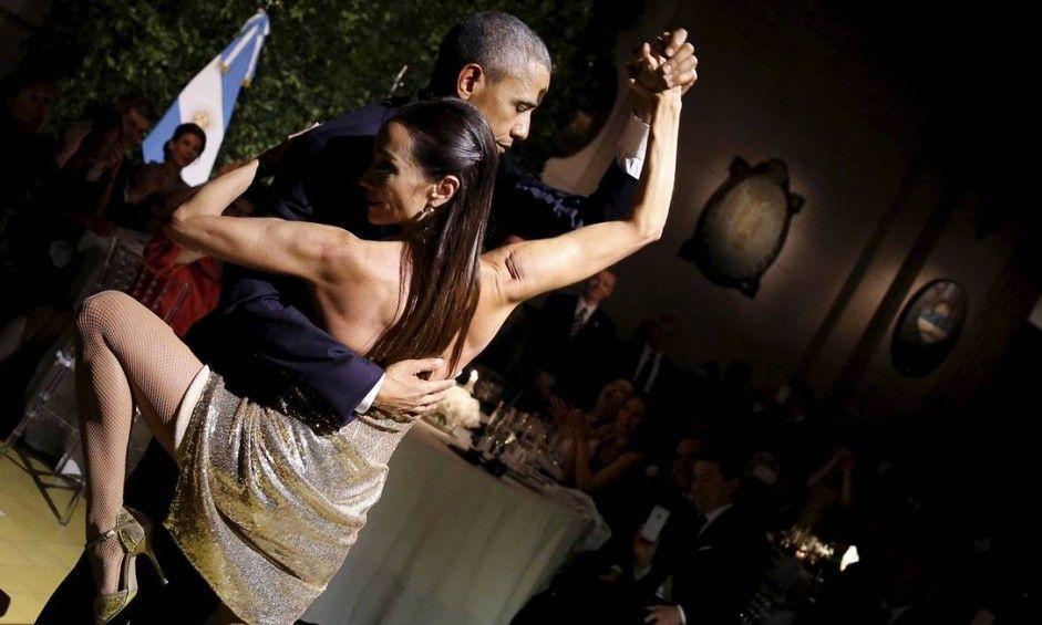 Presidente Barack Obama dança tango em Buenos Aires após jantar com presidente Macri Foto: CARLOS BARRIA / REUTERS-MARCH2016INARGENTINA