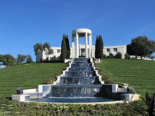 Several Celebrities Are Buried At Hillside Cemetery In Culver City Included Gravesites Are Those Of Al Jolson Dinah Shore Vic Morrow Michael Landon Max Fac