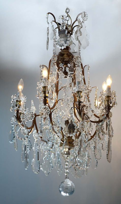 https://www.pinterest.com/soniamreisc/lustres-luminárias-abajur-lampião