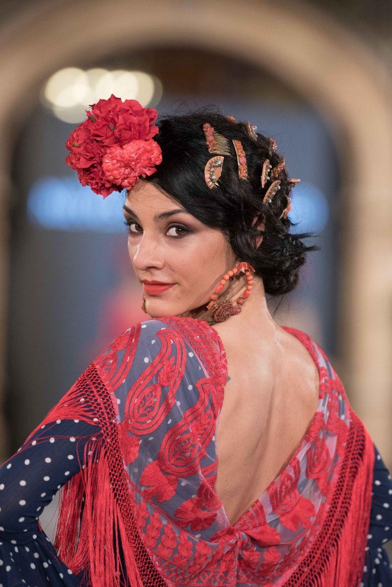 Sorprendentemente fácil peinados para feria 2021 Colección De Cortes De Pelo Ideas - Viviana Iorio - We Love Flamenco 2018 - Sevilla | Peinado ...
