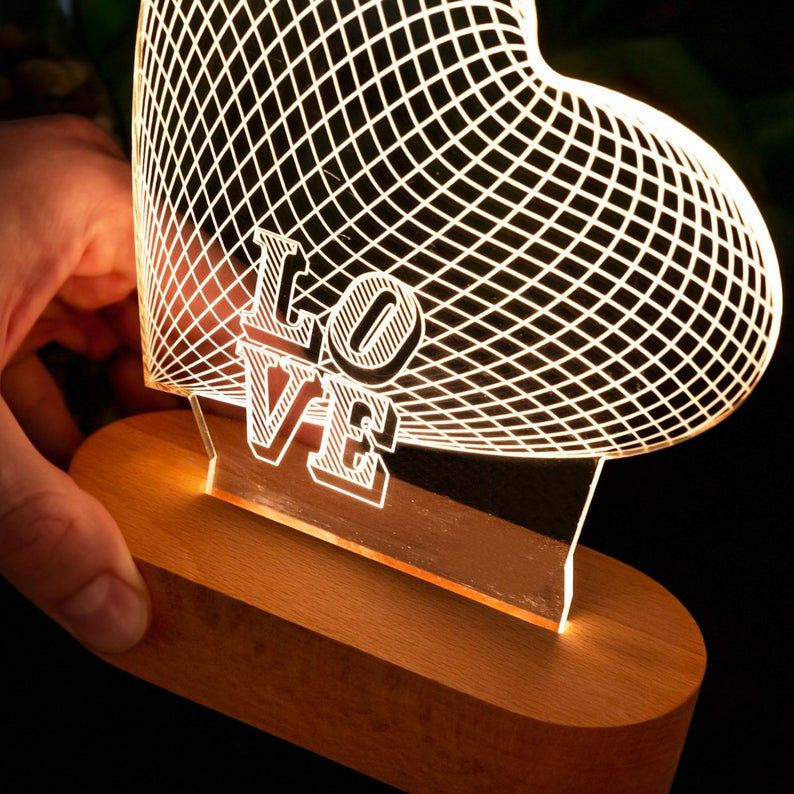 Ces Lampes De Nuit Lui Montreront Votre Amour Cadeau De Etsy Laser Cutter Projects Team Gifts Gifts