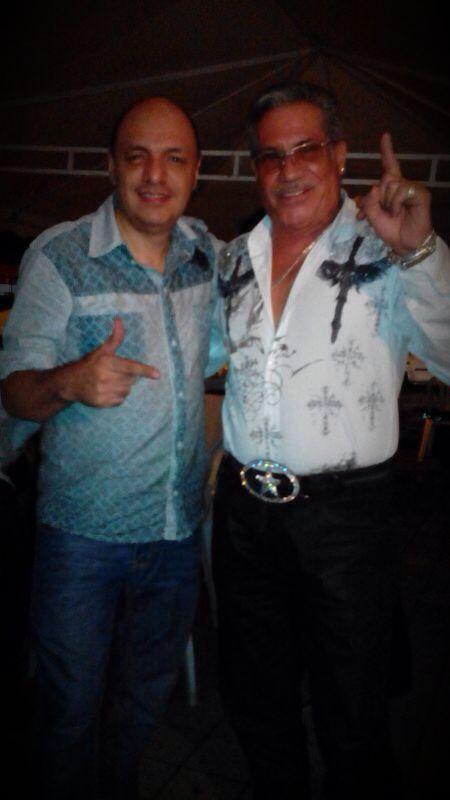 Pedro Arroyo y Edgar Rolando en el concierto de Soneros en Medellín www.vivalaradiotelevision.com