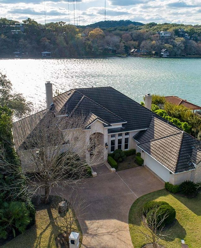 Splendid Lake Austin waterfront home // Listed by Mary