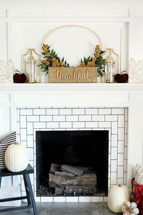 Fall Mantle Decor: 21 DIY and Ideas #fallmantledecor Fall Mantle Decor: 21 DIY and Ideas | Decor Dolphin #fallmantledecor