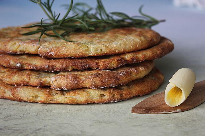 CookieCrumble: Potato flat bread with scallion