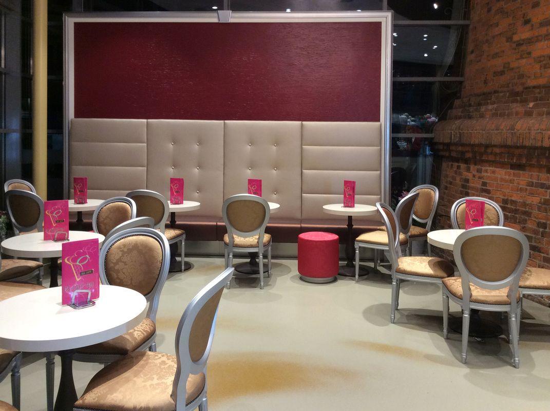 Tavoli E Sedie Per Gelateria.I Tavolini Sono Di Pedrali Nostro Importante Partner