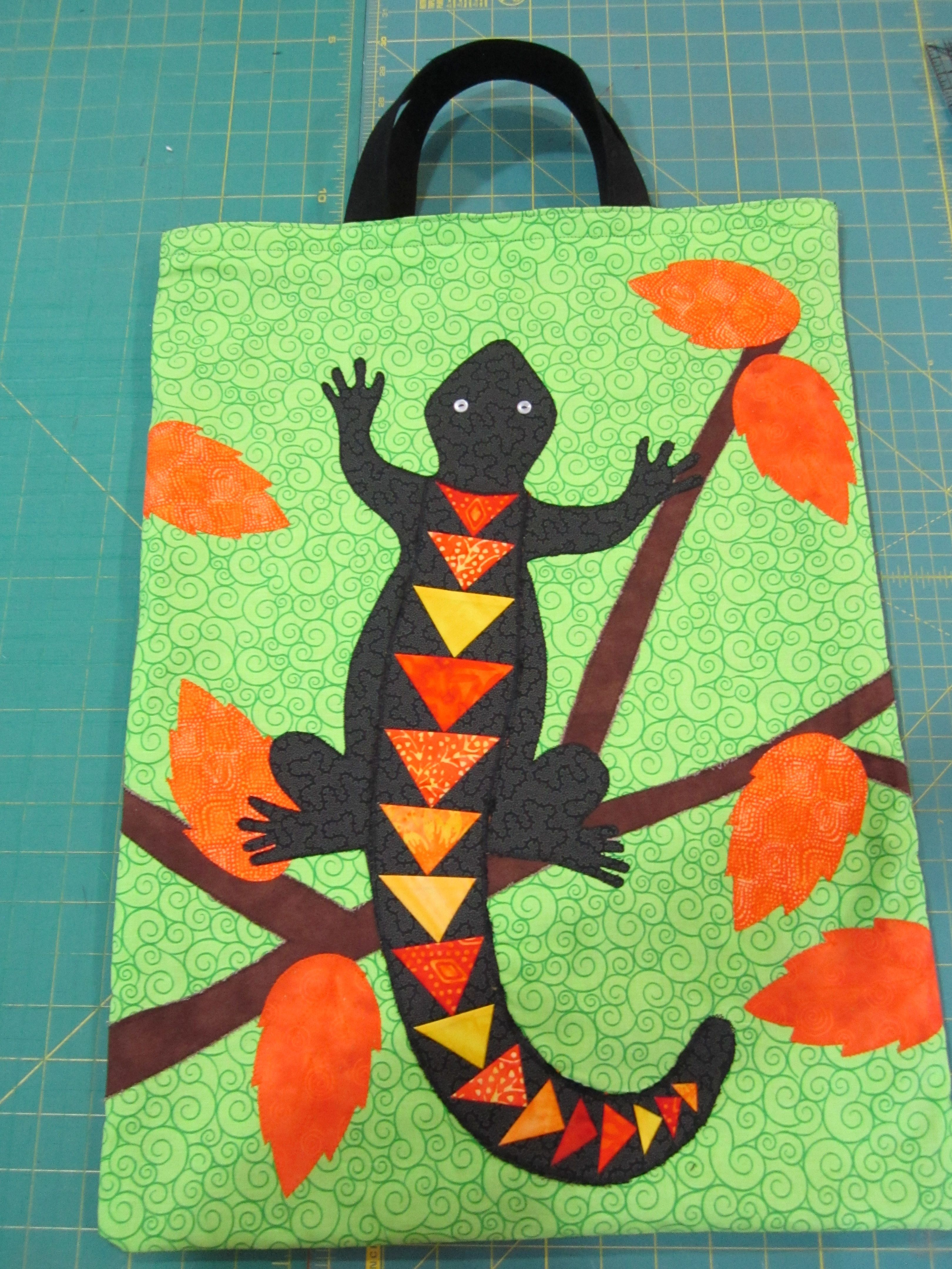 Gecko totebag. If it doesn\'t look like you want for a wall-hanging ...