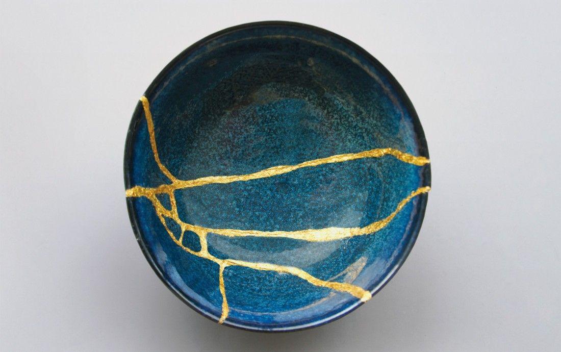 Kintsugi The Japanese Art Of Repairing Broken Ceramics With Laquer Mixed With Gold Kintsugi Art Kintsugi Kintsugi Tattoo
