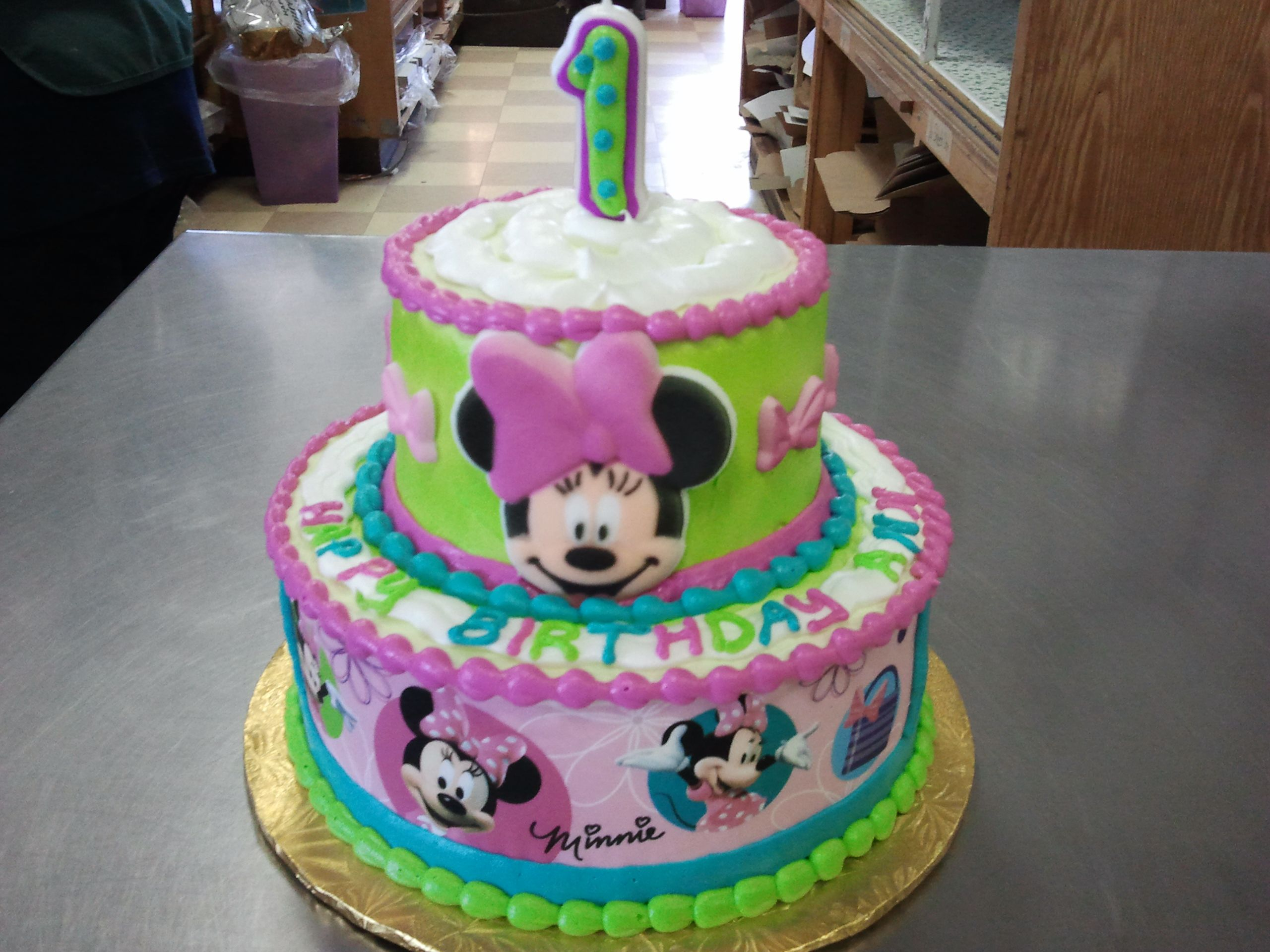 2Tier 8 x 5 Minnie Mouse Sugar Face and Edible Paper Themed Cake