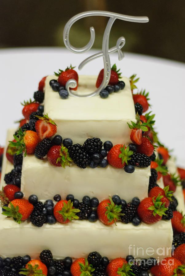Angel Food Cake Whipped Cream Cheese Icing With Lots Of Berries