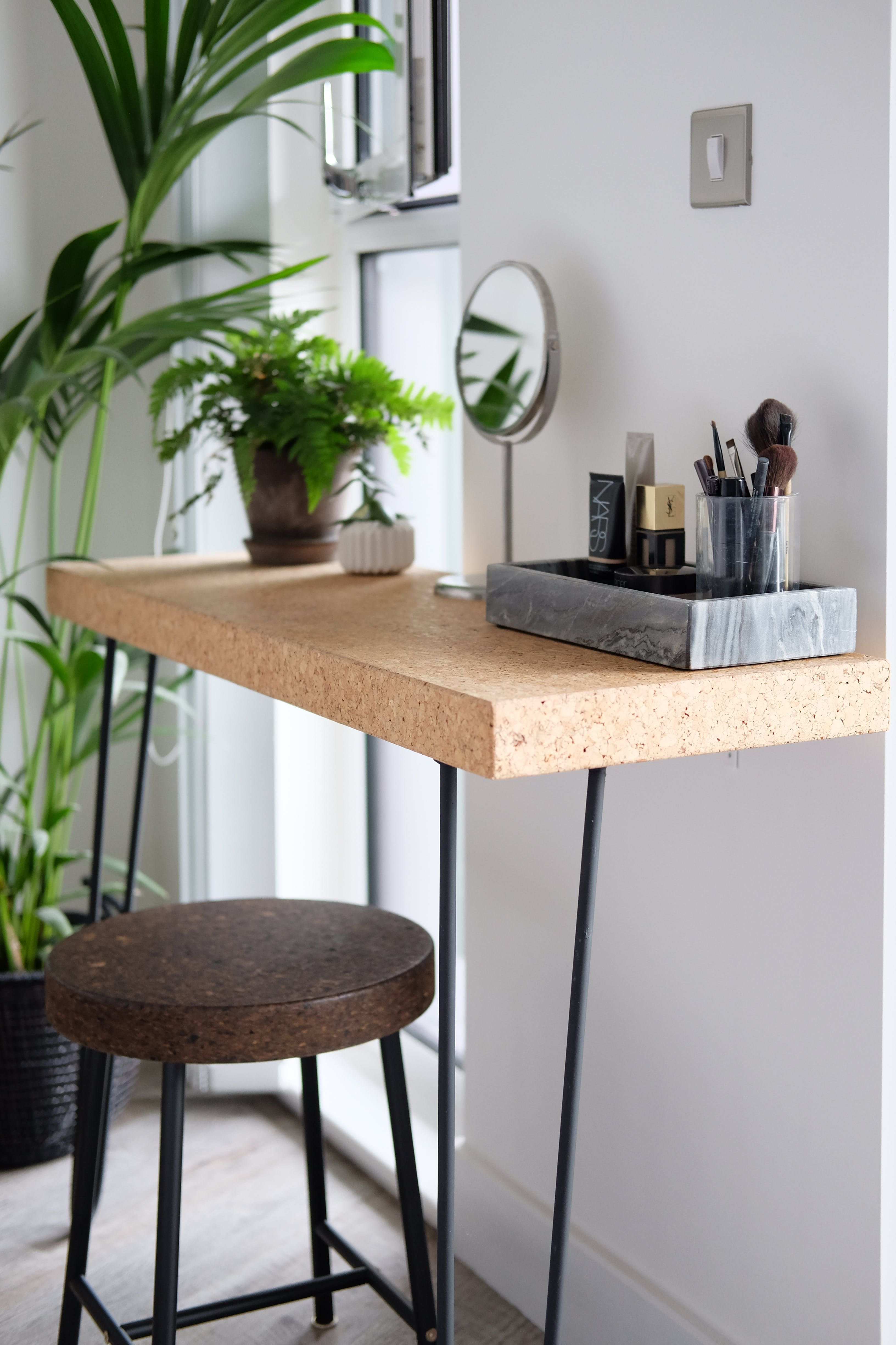 Tour A Nordic Style London Flat Dressing Table Cork And Bench